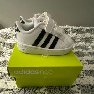 Adidas Baseline CMF Sneaker